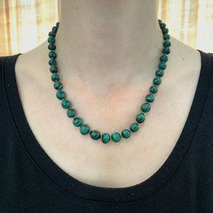 Vintage Necklace Green Real Beads